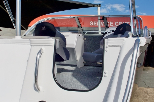 transom of horizon seabreeze aluminium boat with boarding steps and ladder