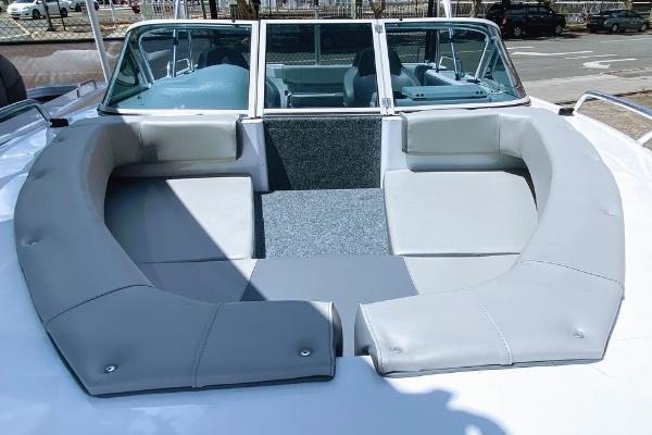 forward seating in horizon seabreeze aluminium boat